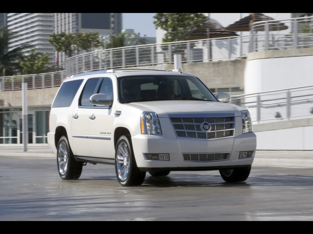 Cadillac Escalade III фото.