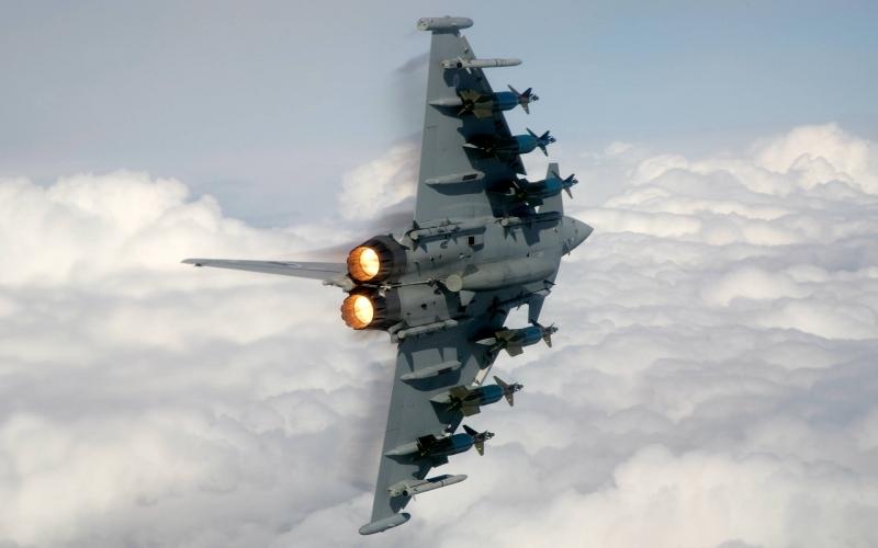 Современный военный самолет